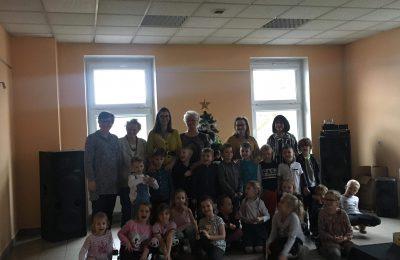 """Dzień Babci i Dziadka w Karsznickim Klubie Seniora """"Lokomotywa 60+"""""""